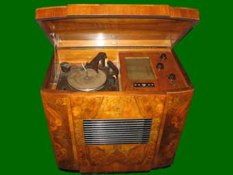 Image Of R.G.D. 1046G Radiogram, Year 1946
